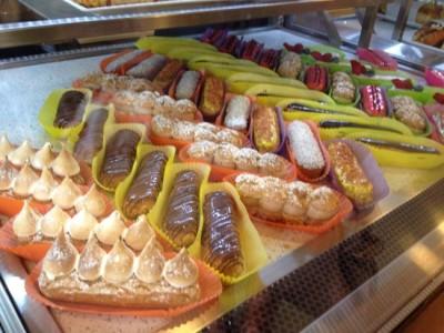 メルボルンでフランス気分に浸れるカフェの期間限定ゆずエクレア @ Éclair