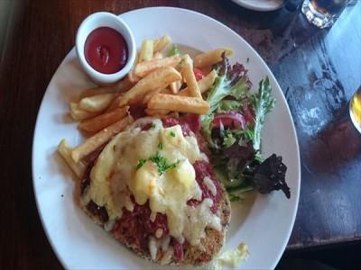 オーストラリアの英語は何でも短縮して言う! 食べ物のスラングにはこんなものがあります。