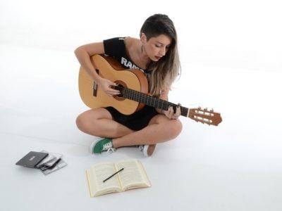 ギターを習うならこんな曲を弾きたい!習いたい曲3つと実業家が教える習得の秘訣とは?