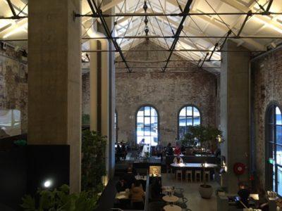 立体的で贅沢な空間を楽しめるカフェ @ Higher Ground