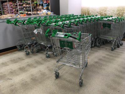 スーパーでの買い物事情。オーストラリアの買い物カートと買い物カゴはこんなの使ってます。